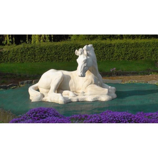 Statue cheval couch le bon vivre - Statue pierre reconstituee pour jardin ...
