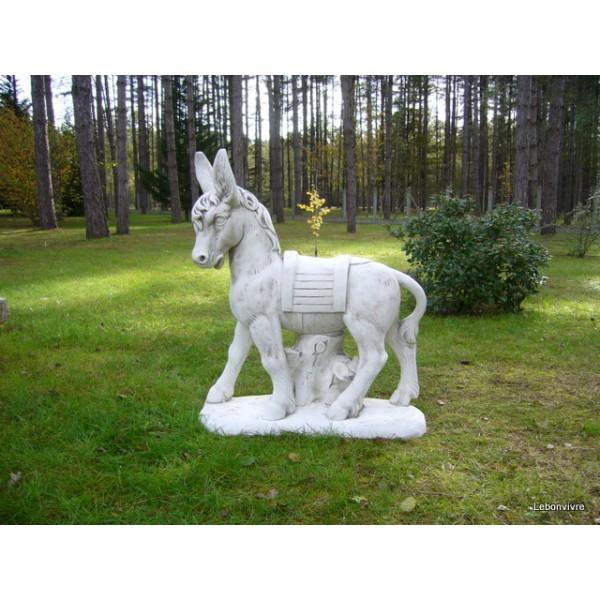 Statue grand ne seul le bon vivre for Ane decoration jardin