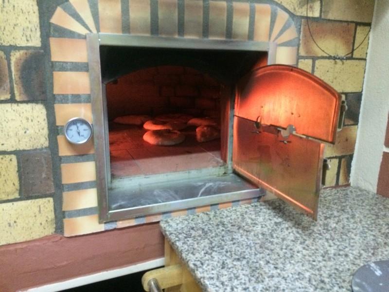Four pain et pizza avec porte avaloir de fum e le bon for Construire un four a bois exterieur