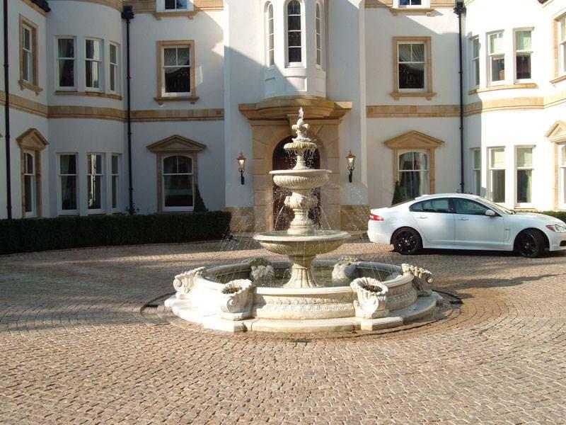 fontaine en pierre avec vasques bassin jets remontants margelle et cornes d 39 abondance mod le. Black Bedroom Furniture Sets. Home Design Ideas